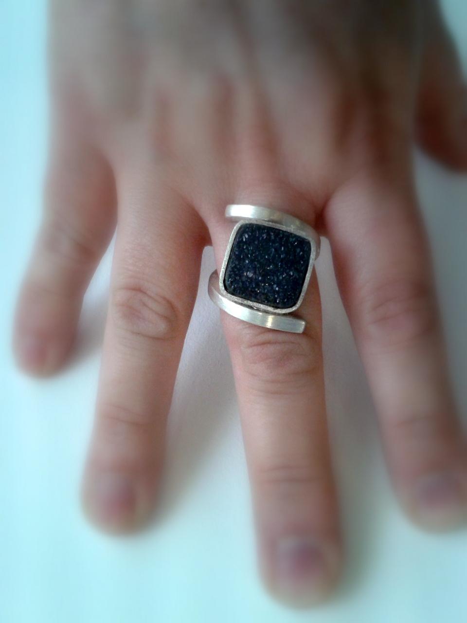 DeDalt unique piece ring
