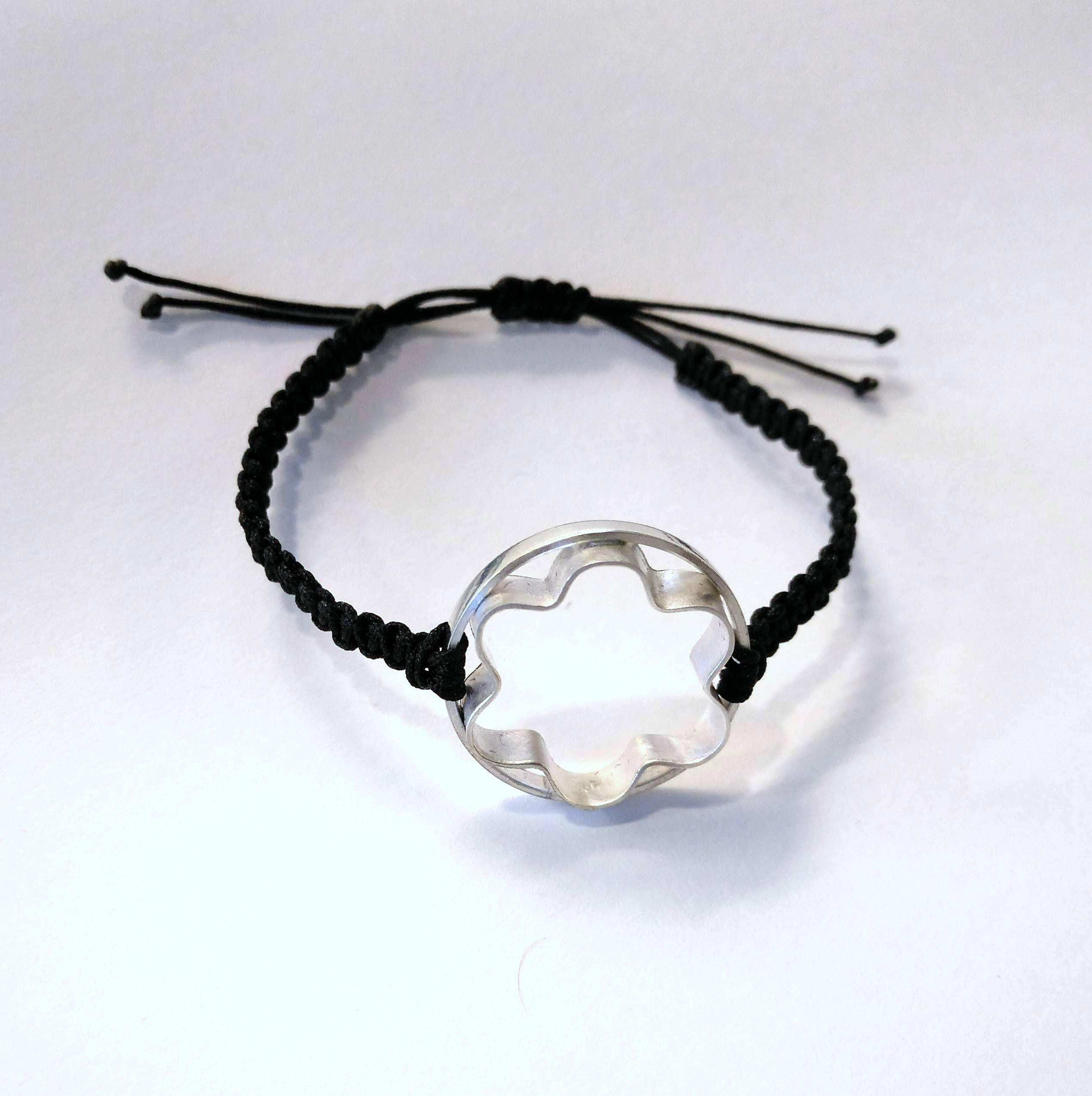 Pastisset FLOWER BISCUIT CUTTER bracelet 03